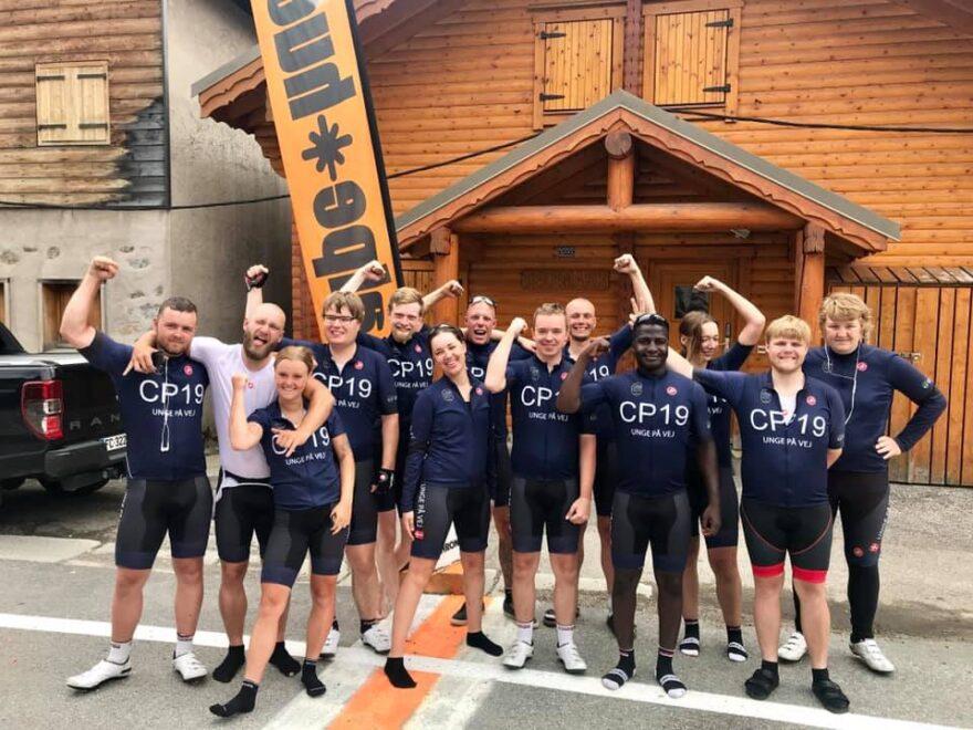 Jobcentrets cykelhold har nået toppen af Alpe D'Huez