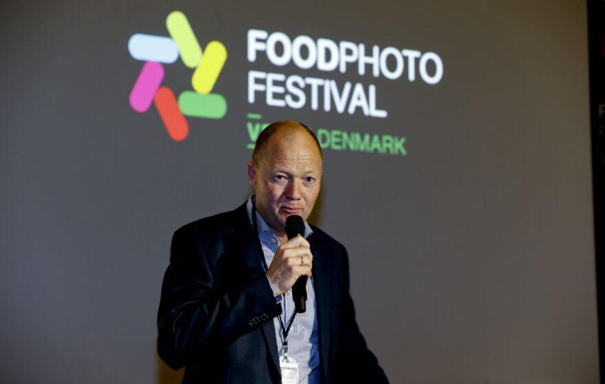 Borgmester åbnede international udstilling på valgdagen