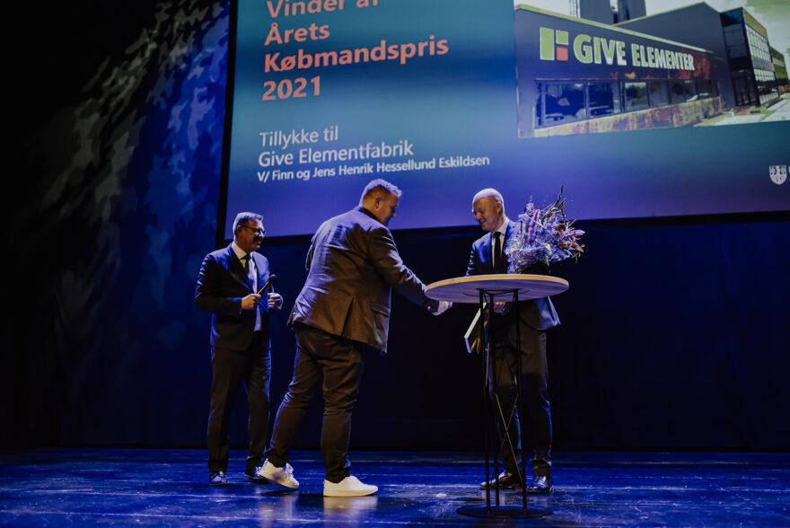 Brødrene Eskildsen fra Give Elementfabrik kåret til Årets Købmand 2021